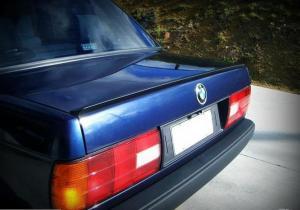 BMW E30 (sedan) odtrhová hrana. 1986-1994