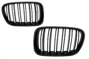 BMW E83 -  maska černá.