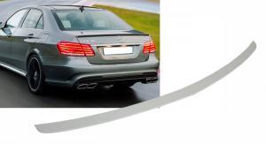 Mercedes W212 - spoiler víka kufru.