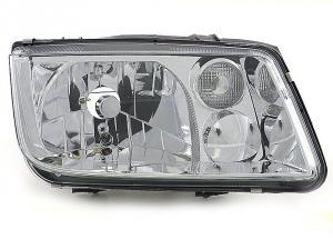 VW Bora přední pravé světlo - Chrom.