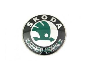 Skoda Octavia - znak přední masky.