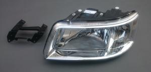 VW T5 přední světlo - Levé.
