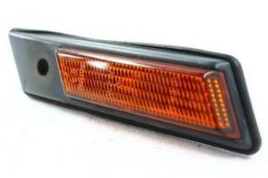 BMW E36 - boční žluté blikače.