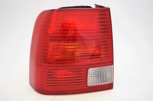 VW Passat B5 sedan zadní světlo - Levé.