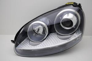 VW Golf 5 přední světlo - Levé. Xenon